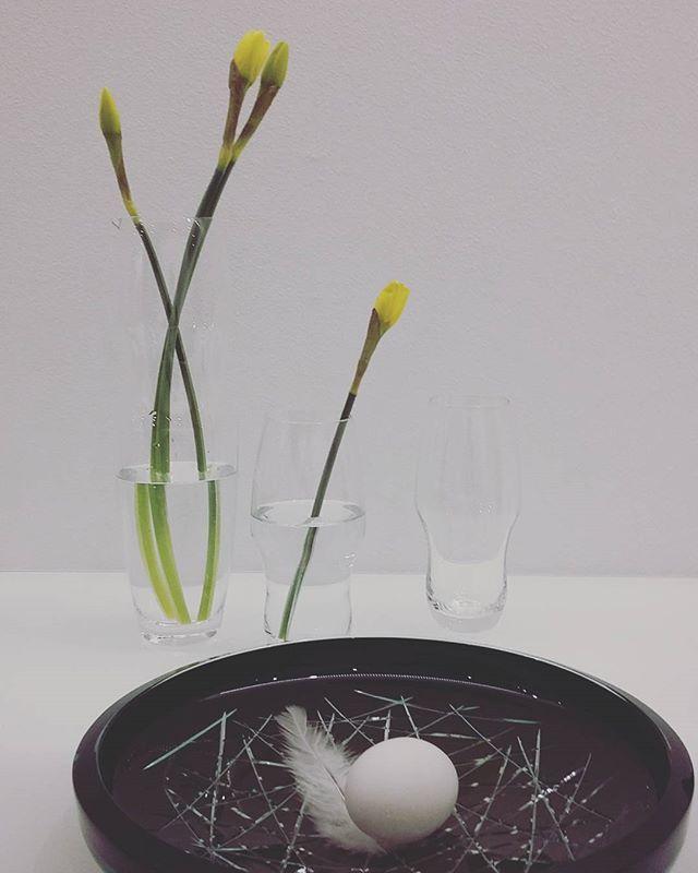Easter in elegant and modern way.... #easter #narcis #spring #glass #czechglass #handmade #filipdobias #elegant #modern #design #luxury #prague #glassimo