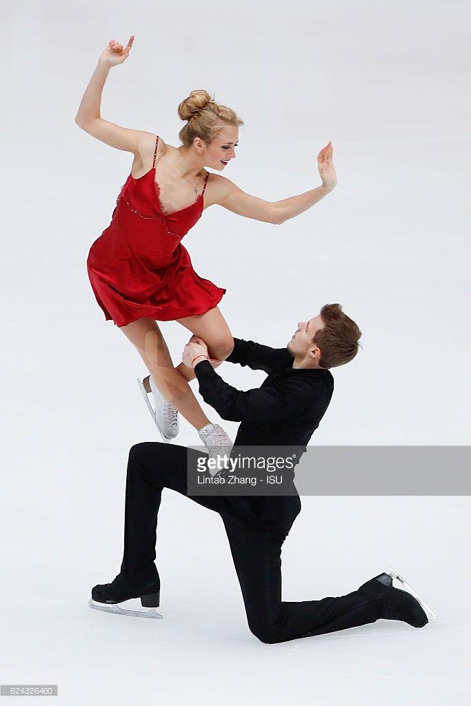 News Photo : Victoria Sinitsina and Nikita Katsalapov of...