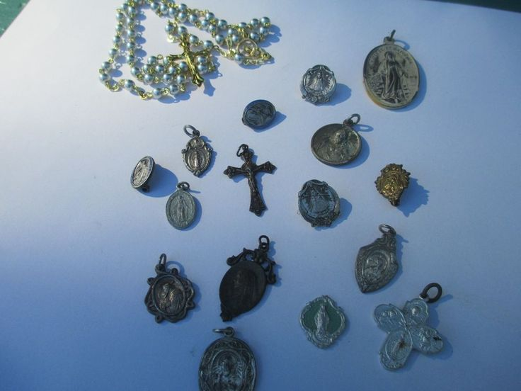 LOT OF 16  VINTAGE RELIGIOUS CATHOLIC CHARM MEDALS and 1 rosary bead