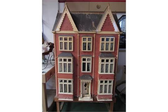 a personal comment on the story of a dolls house You are watching tottie: the story of a doll's house movie it is based on the dolls' house, a children's novel written by rumer godden originally published in 1947, and focuses on the toys living in a victorian dolls' house belonging to sisters emily and charlotte dane.