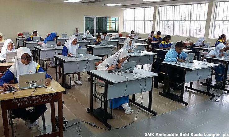 Potong bajet JPM bukan suruh PIBG kutip derma   Ahli Parlimen Segambut Lim Lip Eng mencadangkan bajet Jabatan Perdana Menteri (JPM) yang berjumlah RM20.3 bilion tahun ini dikurangkan atau dipotong bagi membayar perbelanjaan untuk infrastruktur sekolah.  Potong bajet JPM bukan minta PIBG cari duit  Katanya adalah tidak masuk akal seperti cadangan seorang menteri supaya Persatuan Ibu Bapa dan Guru Persatuan (PIBG) pula melaksanakan program mengutip dana daripada orang awam untuk membantu…