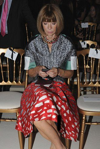 Anna Wintour sends mad texts at Balmain, always on the clock: Streetfashion Style, Billionaire Style, Paris Fashion Week, Street Styles, Street Style Summer, Anna Style, Clocks Woman