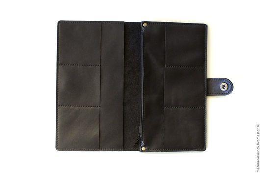 Кошельки и визитницы ручной работы. Черное мужское портмоне, из натуральной кожи