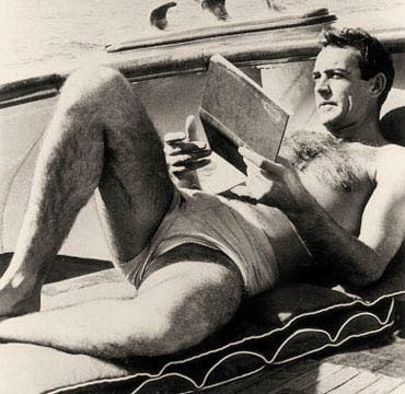 Sean Connery reading