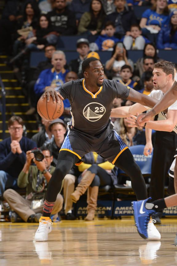 Warriors Beat the Nets for 10th Straight Home Win