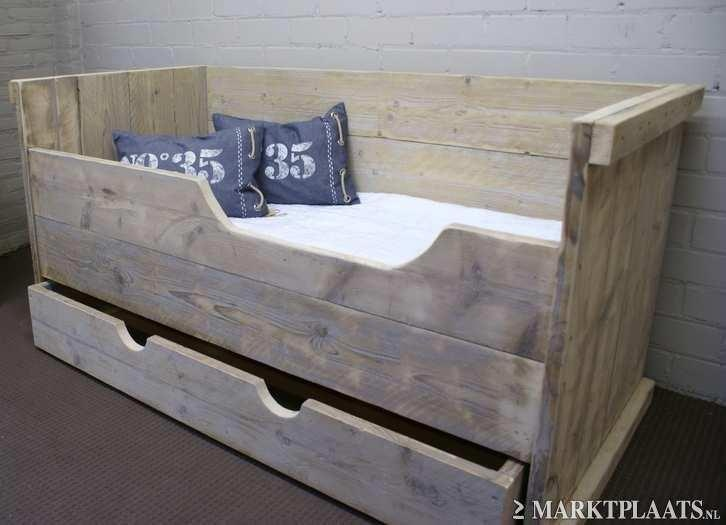 bed steigerhout