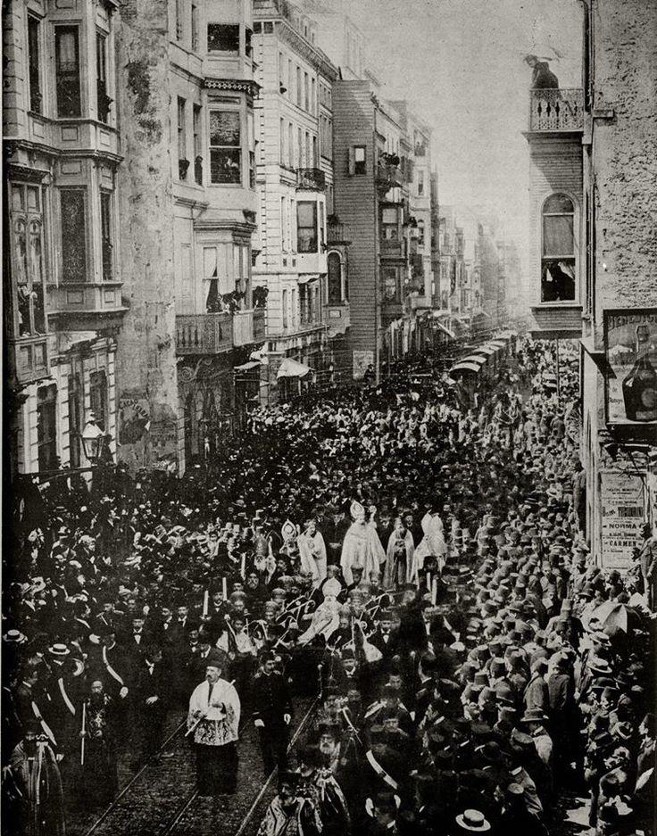 16.Ermeni Katolik Patriği Pierre İsdepan Azaryan'ın İstiklal Caddesindeki cenaze korteji 20 Mayıs 1899