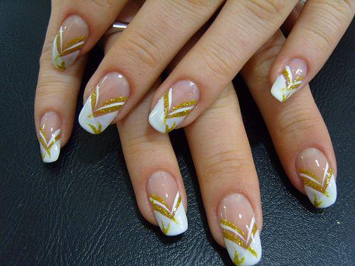 Gold and white nail art.: Bridal Nails, Elegant Nails, Colors Nails, Nails Patterns, Christmas Nails Design, French Tips, Nails Art Design, White Colors, Gold Nails Design