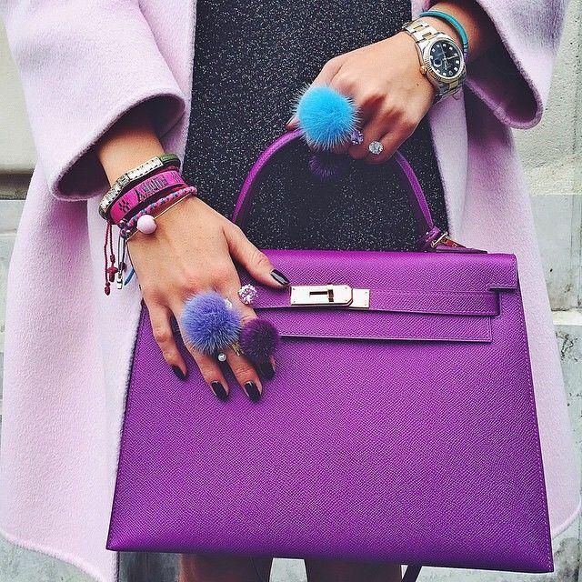 El color Púrpura de este siempre estupendo Birkin de Hermes  Hace de el todo un bolso único