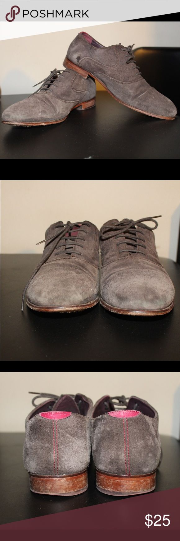 Ted Baker London Oxford Men's Shoes size 9 brown Ted Baker Oxford men's Shoes  Size 9 100% Authentic  Needs a cleaning  Has lots of life to them Ted Baker Shoes Oxfords & Derbys