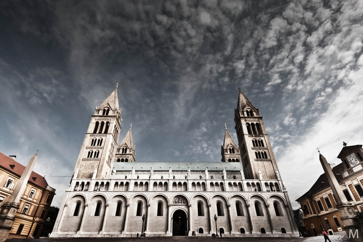 Pécs - OGQ Backgrounds HD