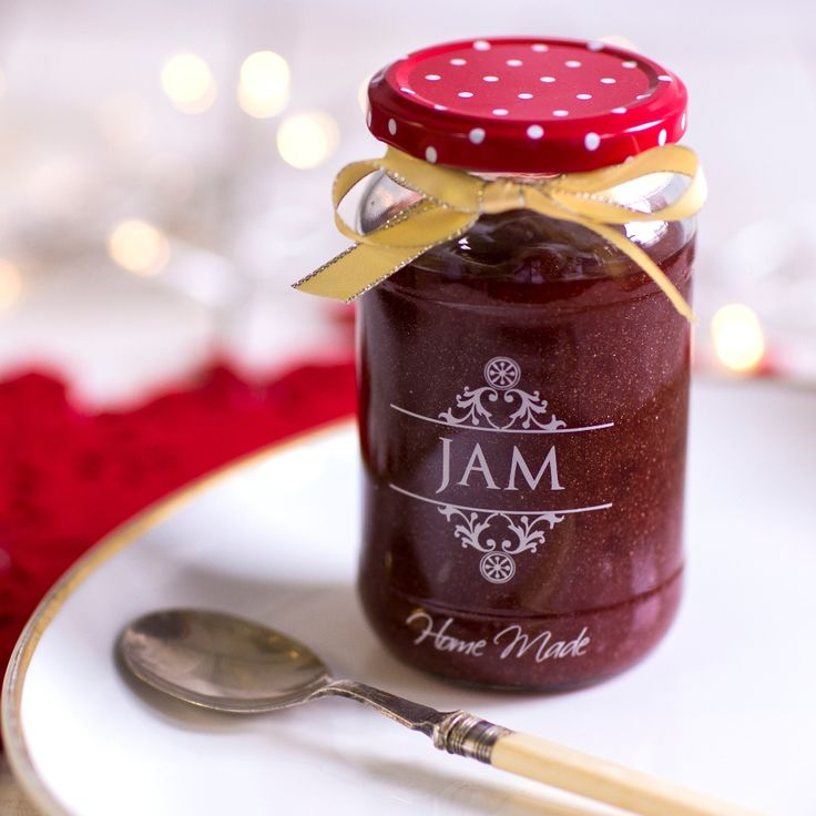 This gorgeous and very special Glitter Strawberry Jam With Champagne Recipe is a great gifting idea and will look beautiful on your Christmas morning toast!