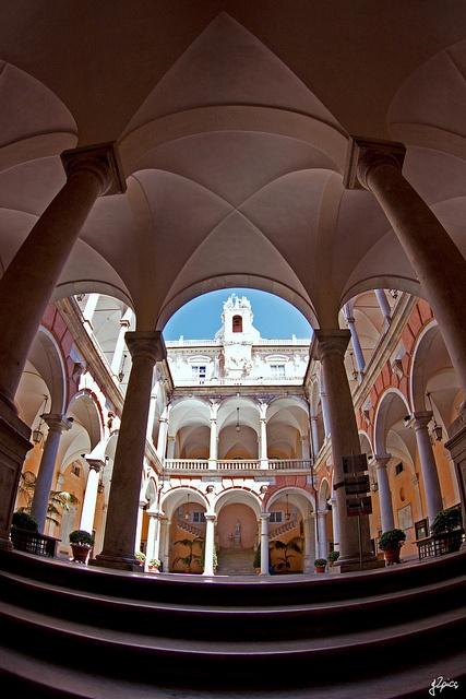 Genova  #travel Milano Giorno e Notte - We Love You! www.milanogiornoenotte.com