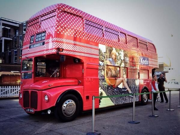 #Keds bus wrap! #REDLondon | тαуℓσя ѕωιfт кє∂ѕ | Pinterest ...