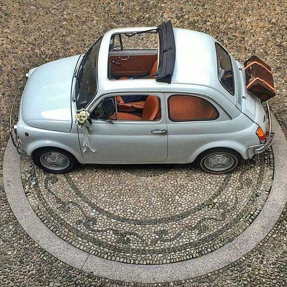 Ma come siamo eleganti!!! (by Chantal Vd Walt) http://ift.tt/1lxIEna #fiat500 #cinquecento #fiat500nelmondo