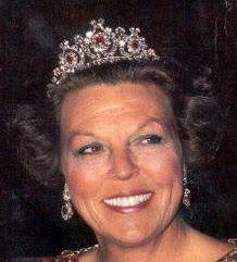Tiara Mania: Queen Emma of the Netherlands' Diamond Tiara. Queen Beatrix wearing the tiara with the optional rubies.