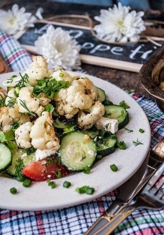 Салат из цветной капусты с лимонно-чесночной заправкой - Кулинарный рецепт - Повар в доме