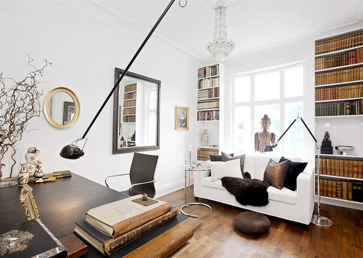 Library in apartment in Oslo