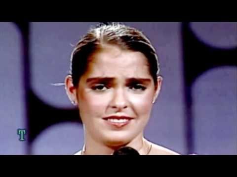 Lupita Dalessio Inocente Pobre Amiga - YouTube