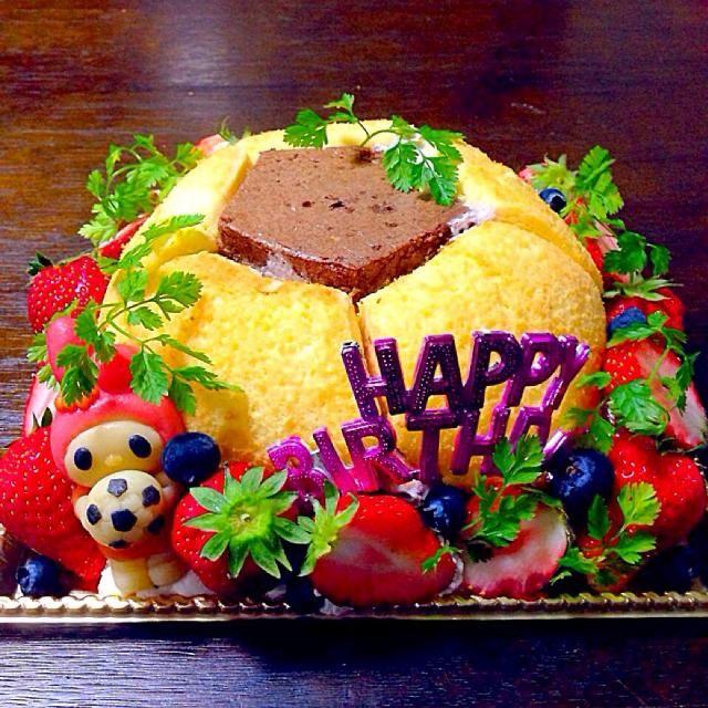 マイメロちゃん好きなサッカー少女のバースデーケーキですよー\(^o^)/ - 110件のもぐもぐ - マイメロちゃんとサッカーボールケーキ\(^o^)/ by fuucandy804
