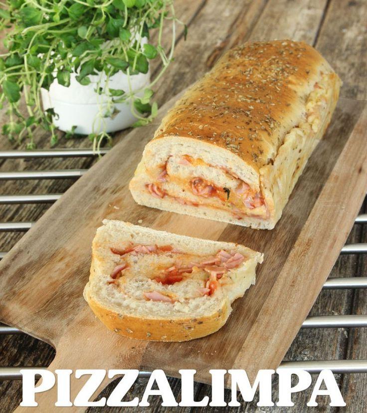 Pizzalimpa | Pizza bakad limpform håller sig supersaftig länge och är enkel att skära i skivor med en kniv. Ta med den på utflykten eller servera den på buffén. Den är också god som tillbehör till en soppa eller fräsch sallad. Frys gärna in limporna och ta fram och tina dem när de ska serveras. Värm dem lite lätt så smakar de som nybakta!