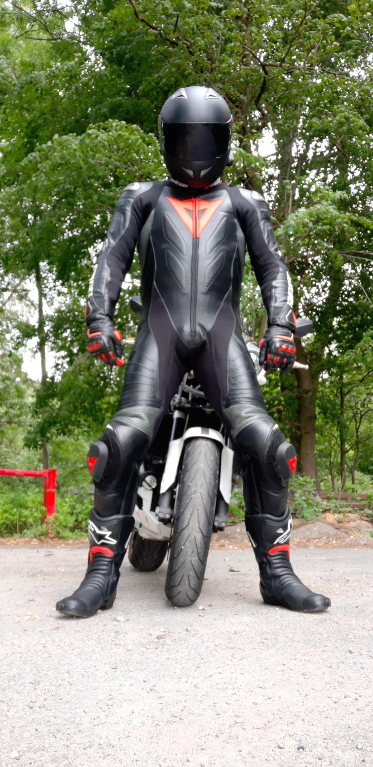 Épinglé sur Un amour de motard gay