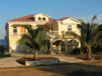 Casa Mediterranea en venta! Precio 619,000 Ciudad: Utila Estado: Aguasclientes http://www.multilistingservicehonduras.com/listing-casa-mediterranea-32.html