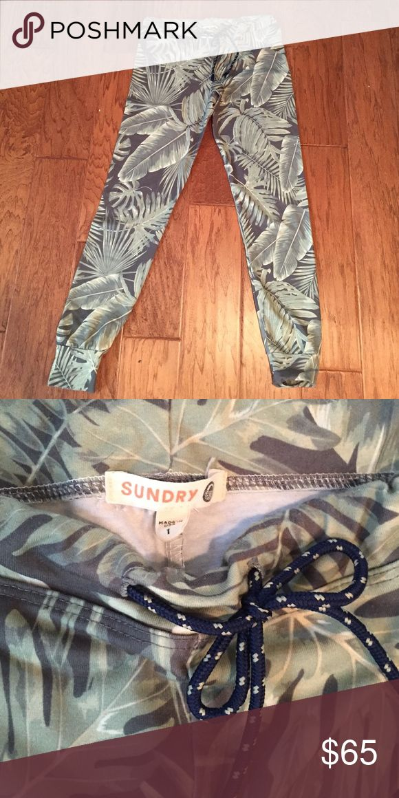 Sundry Skinny Sweats Palm print legging sweats. Draw string waist. Size 1 (equivalent to a small). Worn only a couple times no flaws sundry Pants Skinny
