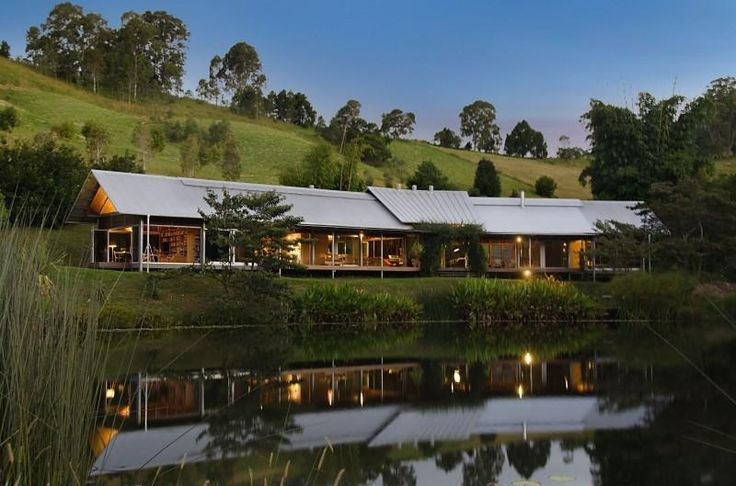 Pines Road farmhouse in Cooroy, Queensland by Casey Brown Architecture