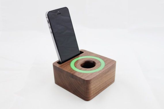iPhone acoustic speaker box made from walnut wood by WoodAndGadget