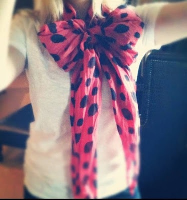 tie your scarf like a bow