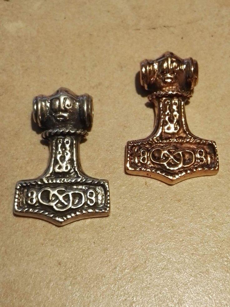 Thorshammer fra Odeshog, Sverige i sølv eller bronze 2,5 x 3,5cm Sølv: 290 kr Bronze: 200 kr