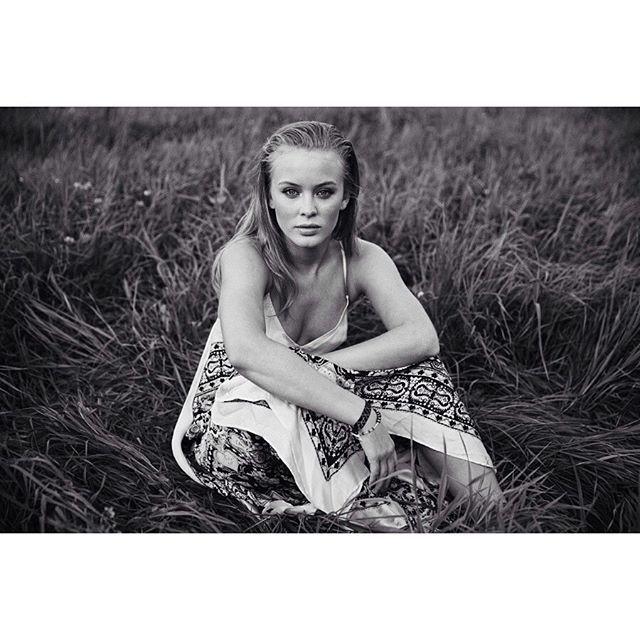 Zara Larsson in Odd Molly Ida dress photographed by @rockfotoemma #noretusch