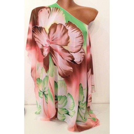 Kaftan copricostume in fantasia floreale nei colori del marrone, rosa, verde e bianco  Si può usare anche come semplice t-shirt da indossare su un jeans o un pantalone bianco.