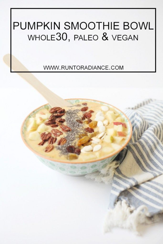 This pumpkin smoothie bowl recipe looks amazing! Toppings include chia seed, diced apple, pecans, golden raisins and pumpkin seed! Vegan and healthy- my new favorite breakfast!