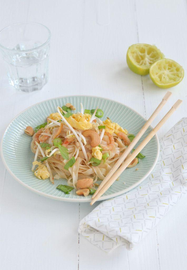 Dit recept voor Pad Thai met garnalen is echt heel makkelijk om te maken.