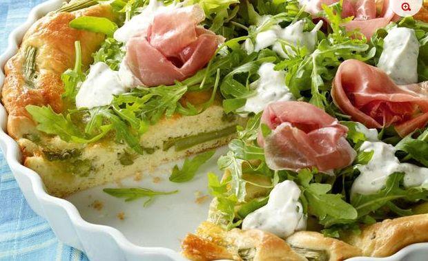 Torta salata con asparagi e prosciutto crudo per una scampagnata golosa | Ultime Notizie Flash