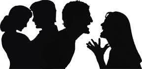 Heterosexuel Monogame- Une relation entre un homme et une femme. J'ai choisi cette photo parce qu'elle a les deux cotes d'une relation. Elle montre l'amour et quand ils sont contents, mais aussi quand il y a des arguments et des problemes.