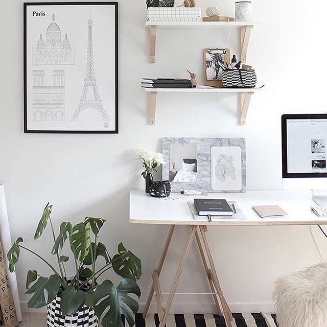 Throwback Thursday to the beautiful desk space of @thedesignchaser featuring her Studio Esinam Paris print 👌🏻👌🏻