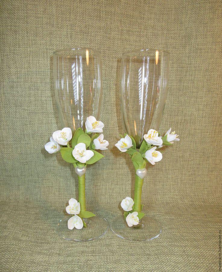 Wedding glasses «Fragrant Jasmine» #wedding #weddingglasses #weddingaccessories #glassesforwedding #champagneglasses #love #romance #happiness