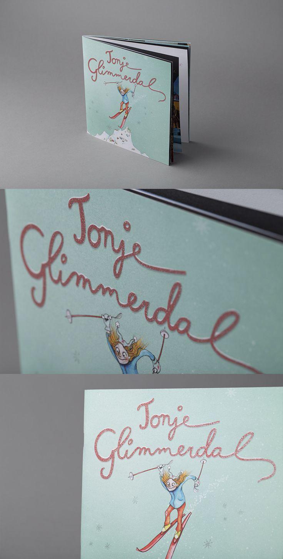Brosjyre med glitter spotlakk på omslaget. #brosjyre