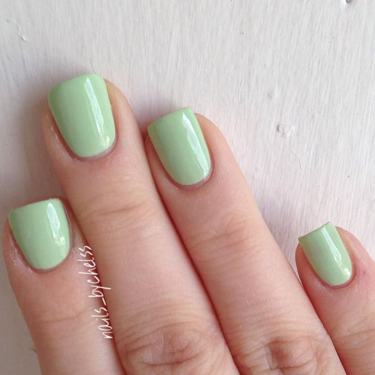"""A closer look at """"Going Guru"""" from the @essiepolish Resort Collection 2016!! This was two beautiful coats!! Absolutely love this baby green! An almost dope in my collection is """"Tiana"""" from Zoya!!  #essielook #resortcollection by nails_bychelss"""