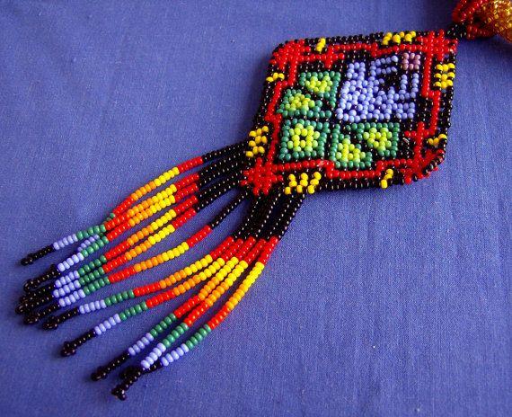 Huichol Beaded Peyote and Deer Necklace van Aramara op Etsy