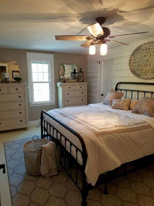 35 Classy Bedroom Decor Ideas On A Budget Farmhouse Style Bedrooms Farmhouse Bedroom Decor Home Decor Bedroom