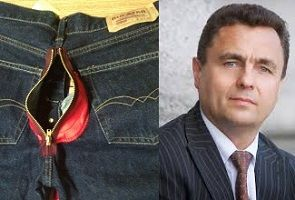 Lithuania: Homophobic politician delivers trousers with anal zip to LGBT group
