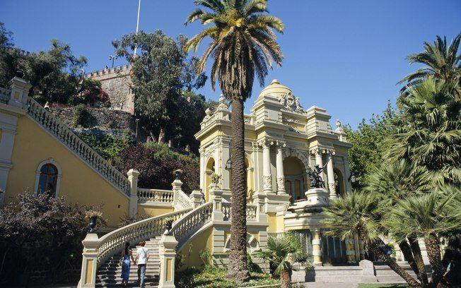 A colina onde Santiago foi fundada abriga uma fonte em estilo neoclássico. Foto: Getty Images