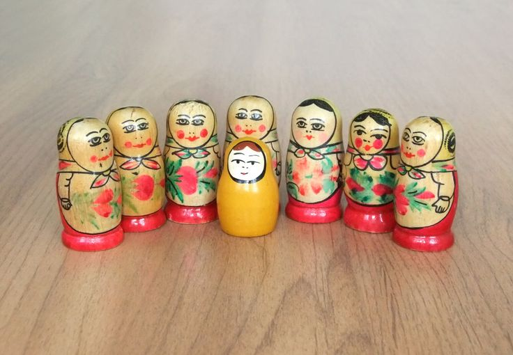 1970е Матрёшки красные цветы - жёлтые платки. Воспоминания из детства СССР - http://samoe-vazhnoe.blogspot.ru/