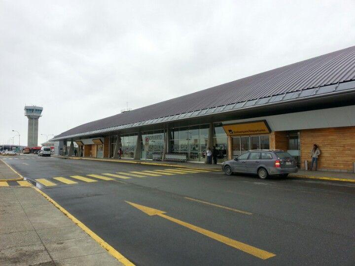 Aeropuerto Presidente Carlos Ibáñez del Campo (PUQ) in Punta Arenas, Región de Magallanes