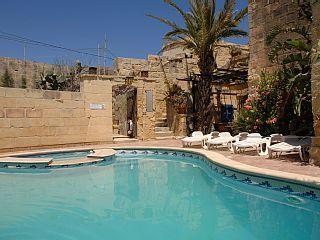 Luxueusement rustique Villa avec piscine privée et jacuzzi à Gozo, à Malte   Location de vacances à partir de Qala @homeaway! #vacation #rental #travel #homeaway