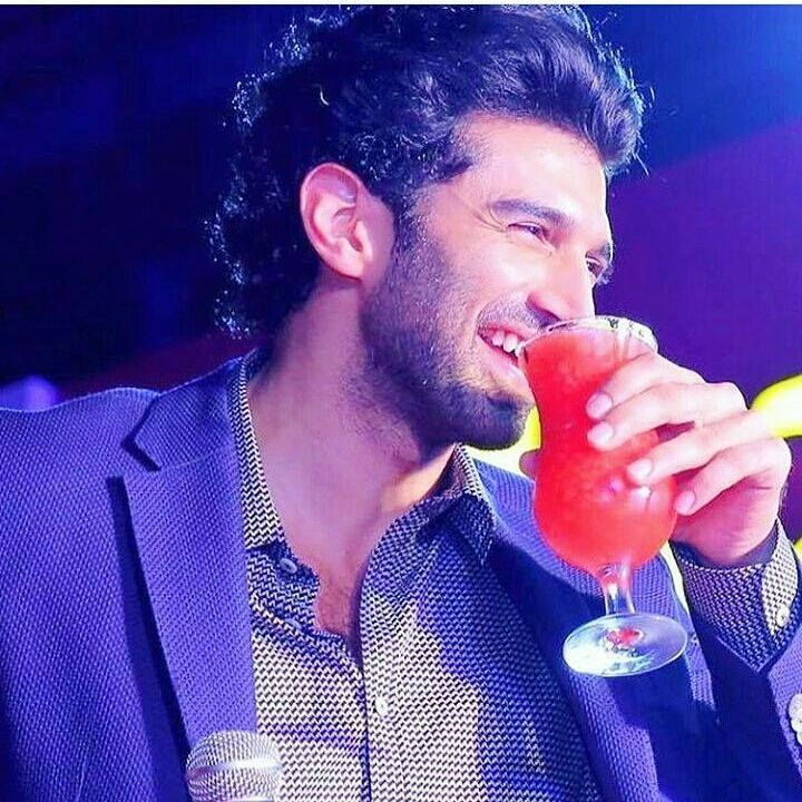 Adi special guest at grand opening of Juice World Dubai